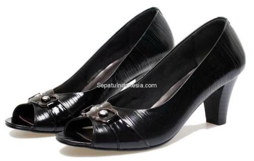 Sepatu wanita BDS 020 adalah sepatu wanita yang nyaman dan...
