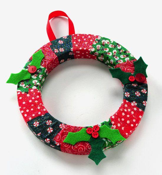 DIY wreath Christmas kids' craft