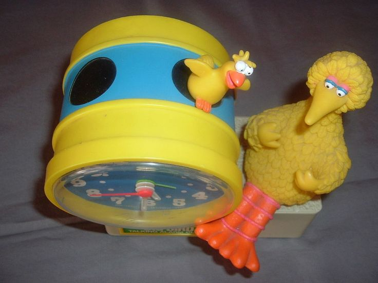 Original Sesame Street Big Bird wind up Bradley Talking Alarm Clock,Tics & Talks