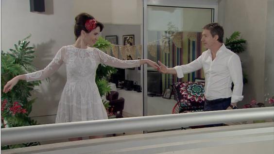 En este capítulo, Juan (Adrián Suar) y Aurora (Natalia Oreiro) finalmente se unieron en matrimonio en el registro civil después de una larga lucha.
