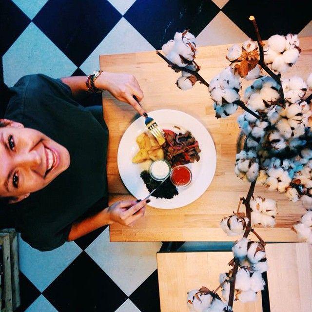 Dania w @letargbistro wywołują uśmiech na twarzy każdego! #letarg #letargbistro #food #foodporn #instafood #foodgasm #poznan #restaurant #poland #smile #happy #eat #eating #interior #design #love #cook #vsco #vscocam #vscolovers