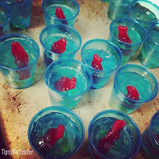 FISHBOWL JELLO SHOTS 1 Cup UV Blue Raspberry 1/2 Cup Coconut Rum 1/2 Cup Peach Schnapps 6 Packets Gelatin Gummy Bears...