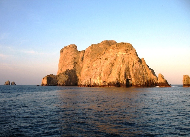Isla Malpelo / Malpelo Island
