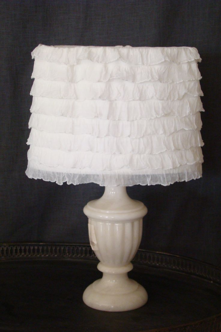 Abat-jour ovale shabby chic a froufrou , lampshade shabby french boudoir