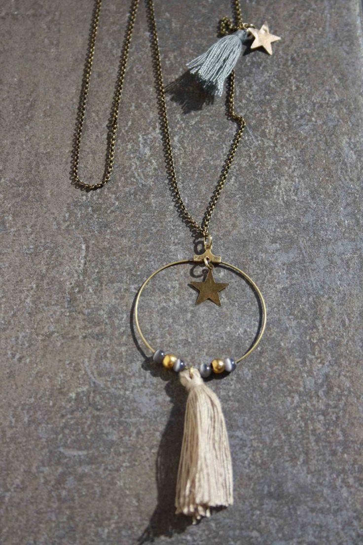 Sautoir bronze, pompon écru et perles : Collier par 28avril
