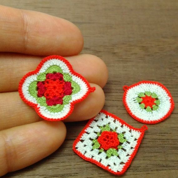 3 miniature crochet potholders or coasters in red color for dollhouse in scale 1:12 by MiniGio