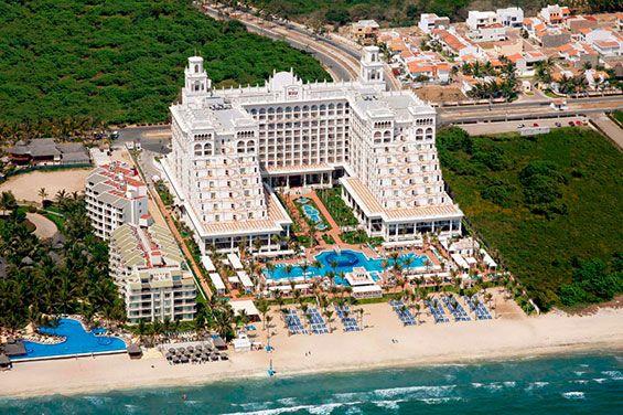 Ubicado en Nuevo Vallarta, Mexico, el Hotel Riu Palace Pacífico (Todo Incluido 24h) es sin duda con orgullo, uno de nuestros más lujosos hoteles en Nuevo Vallarta, Mexico. Hotel Riu Palace Pacifico – Hotel en Vallarta – Hotel en México - RIU Hotels & Resorts