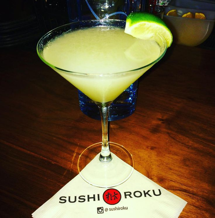 For the best #zyrvodka gimlet on the west coast head to @sushirokusm where the ZYR is flowing and the sushi is out of this world! #ZYR #noadditives #gmofree #russian #vodka #california #santamonica #inthebiz #ladiesnight #100points #smooth #topshelf #gimlet #cocktails #mixology #mixologist by zyrvodka
