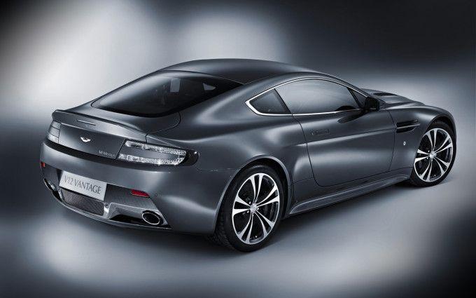 2010 Aston Martin V12 Vantage car picture