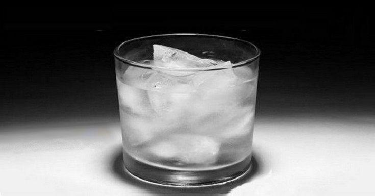 Zvyknete si v restauraci nebo doma k jídlu dát chlazený nápoj či dokonce nápoj s kostkami ledu? Děláte velkou chybu. Zjistěte proč.
