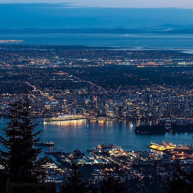 Gorgeous shot of downtown Vancouver taken from Grouse Mountain. Photo by @seaside_signs