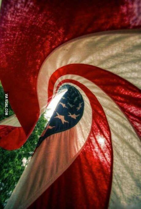 This foto da bandeira americana taken on Acidente POR Criança.