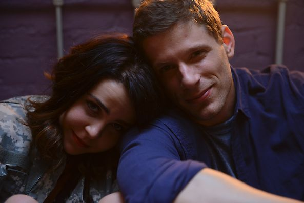 Mae Whitman and Matt Lauria | #Parenthood | rich & famous ...