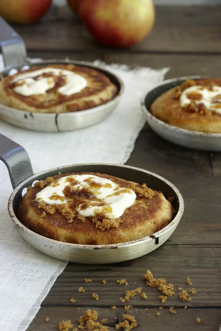Omenablinit: http://www.dansukker.fi/fi/resepteja/omenablinit.aspx  Syksyn sulohedelmä maistuu mainiosti myös blinien täytteenä.    #omenablinit #herkku #blinit #omena