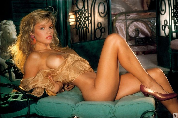 pam anderson young naked