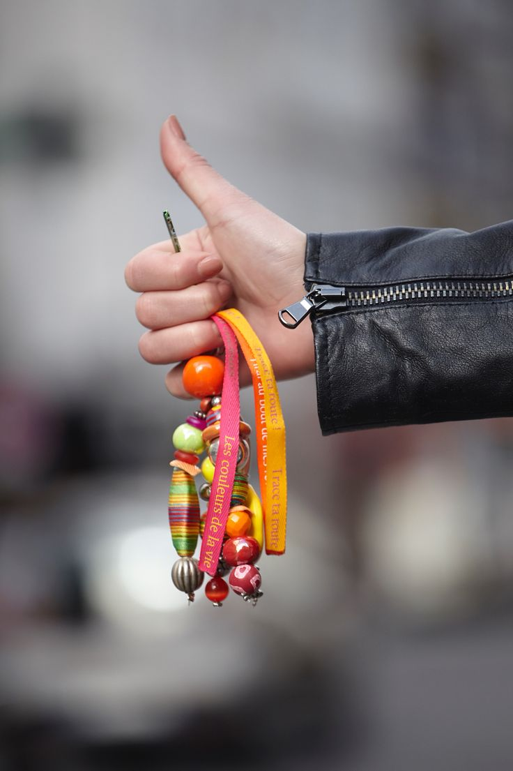 Porte clé Bueno #LDC #LesDemoisellesdeCherbourg #porteclé #bijoux #bijou #instajewelry #jewelry #bag #bijoudesac #turnkey #pearl #ceramic #sac #fitas #message #words #tissus