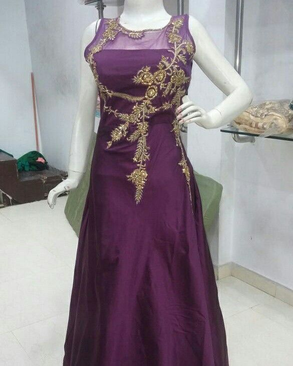 Designer indo Western gowns for rent at indiantrendz Pathankot store. Shop now by contacting www.indiantrendz.com