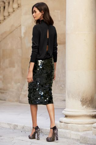 Sparkle and shine this Christmas with this gorgeous sequin black dress