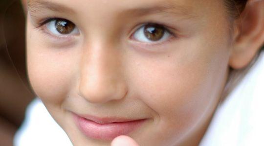 Beaucoup d'enfants sont persuadés qu'ils ont «appris» leur leçon alors qu'ils se sont contentés de la lire. Comment les aider à mieux faire travailler leur mémoire?