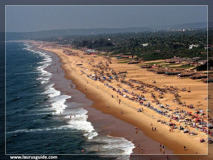 Candolim Beach is among the most visited beaches in Goa, located south of Calangute Beach. The beach coastline stretches 30 km, from the Aguada Fort up to the Chapora beach. This beach is located at a distance of about 15 km from Panjim and faces the Arabian Sea.