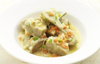 Artichokes barigoule recipe: This wonderful artichokes barigoule recipe from Martin Wishart is a delicious way to enjoy artichokes when they are in season. A popular Provençal dish, the barigoule can be made vegetarian by using vegetable stock instead of chicken stock.