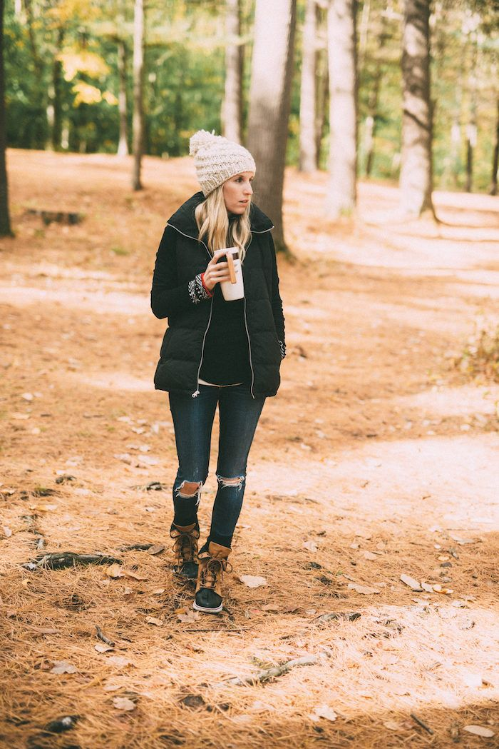Morning Hikes & Best Outdoor Clothing // Mom Style // Fall Style for Moms // Outdoor Clothing for Busy Moms // Winter Fashion Ideas for Moms // Winter Style Tips // Lynzy & Co.