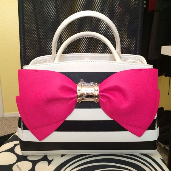 Pink Bow Betsey Johnson Purse Super cute Betsey Johnson purse. Black and white striped with a big pink bow. Completely new, never used, perfect condition. Spacious and sturdy. Betsey Johnson Bags Shoulder Bags