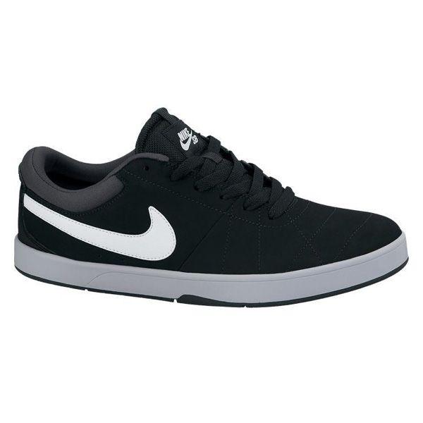 Sepatu Casual Nike Rabona 553694-003 adalah Sepatu Nike Original yang memiliki upper dari kulit dan suede untuk menambah nuansa dan tampilan yang lebih mewah. Harga sepatu ini Rp 829.000.