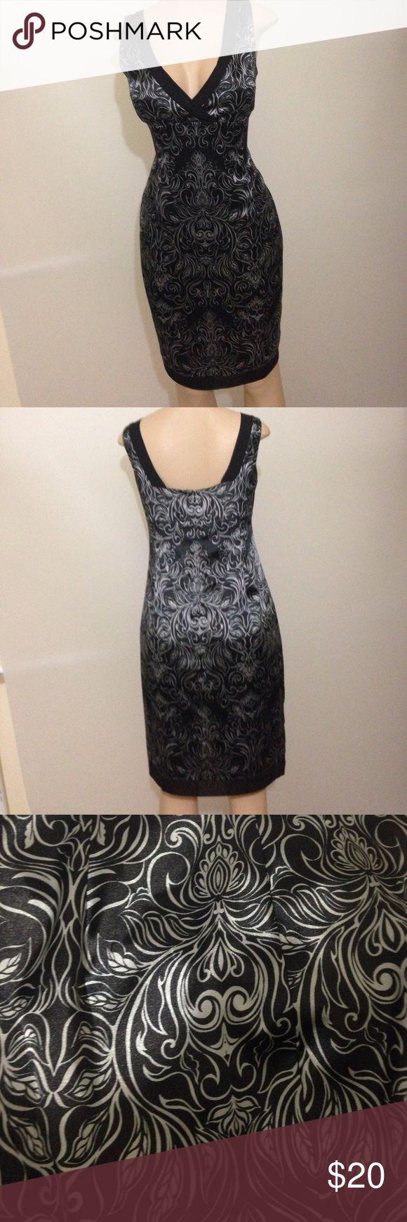 Jones Wear dress. Black and silver floral Sz 12 Formal black and silver dress Bust 19, Waist 17, Length 38. Jones Wear Dress Dresses Midi