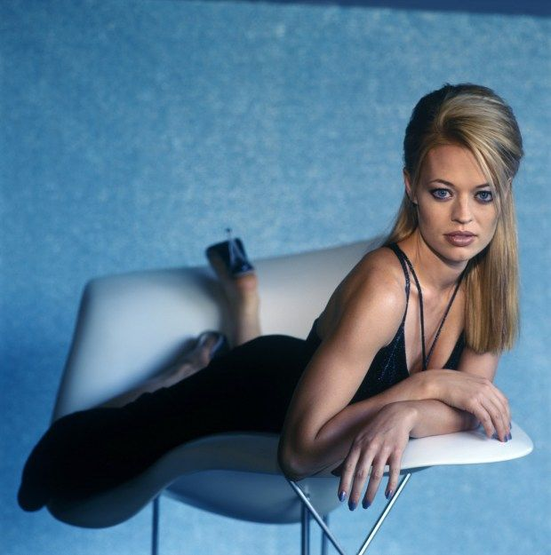 10 Enigmatic Pictures Of Jeri Ryan Seven of 9 For Star Trek Fans! Continued.. | Creative Geek