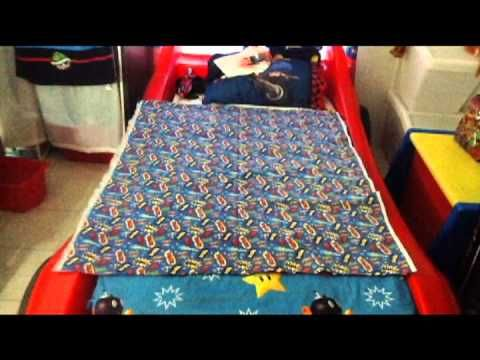 ▶ Weighted Blanket DIY ❤ - YouTube   Use beads or lentils to create a weighted blanket. Add more weight on the outside squares than on the inside ones