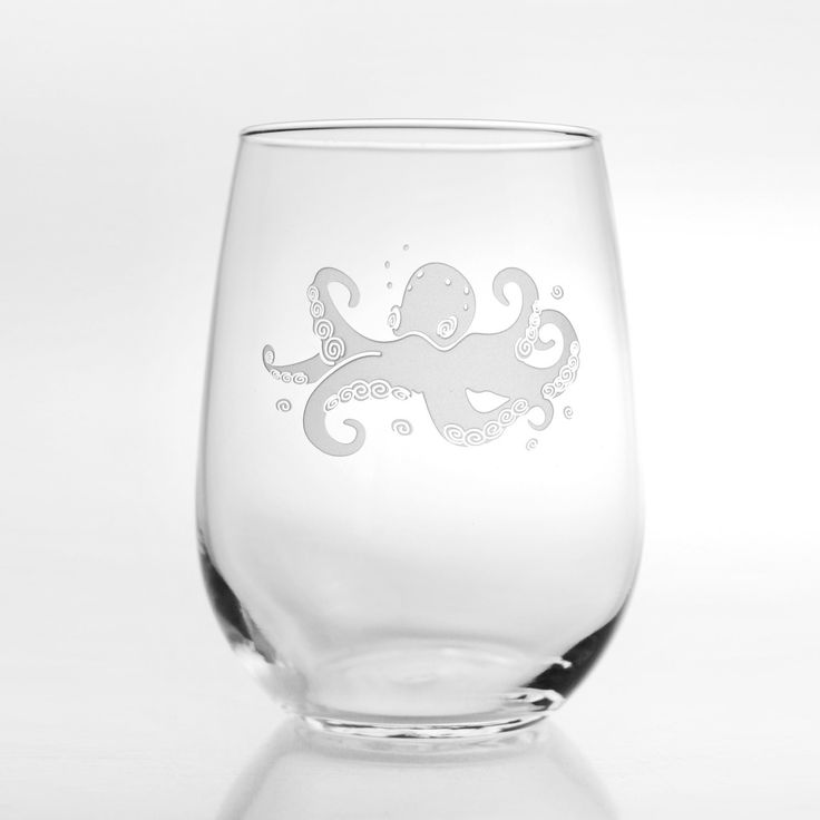 17 oz. stemless tumblers with an elusive eight-legged octopus image for our coastal customers.This set of 4, etched coastal glasses are perfect for entertaining anytime at your beach home. Perfect wi