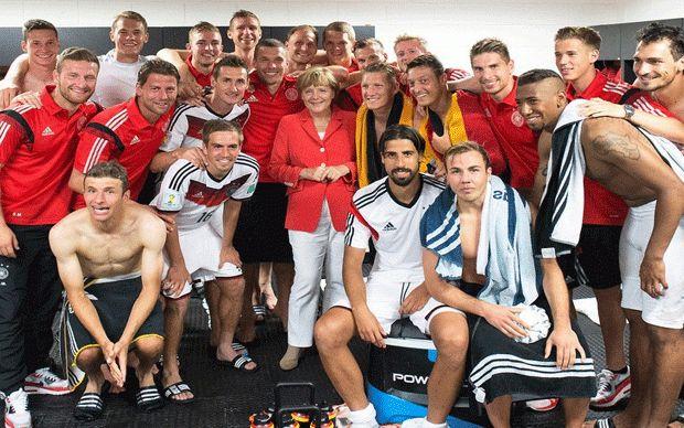 Angela Merkel Selección Alemana de fútbol