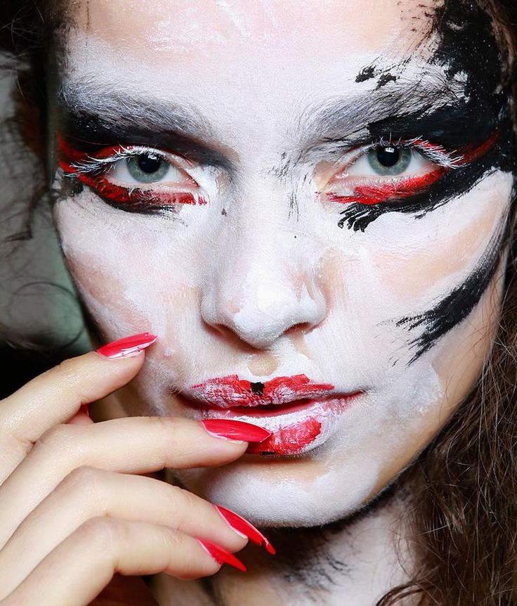 Fashion Lifestyle: Beauty: Vivienne Westwood Makeup... Spring 2014 Womenswear