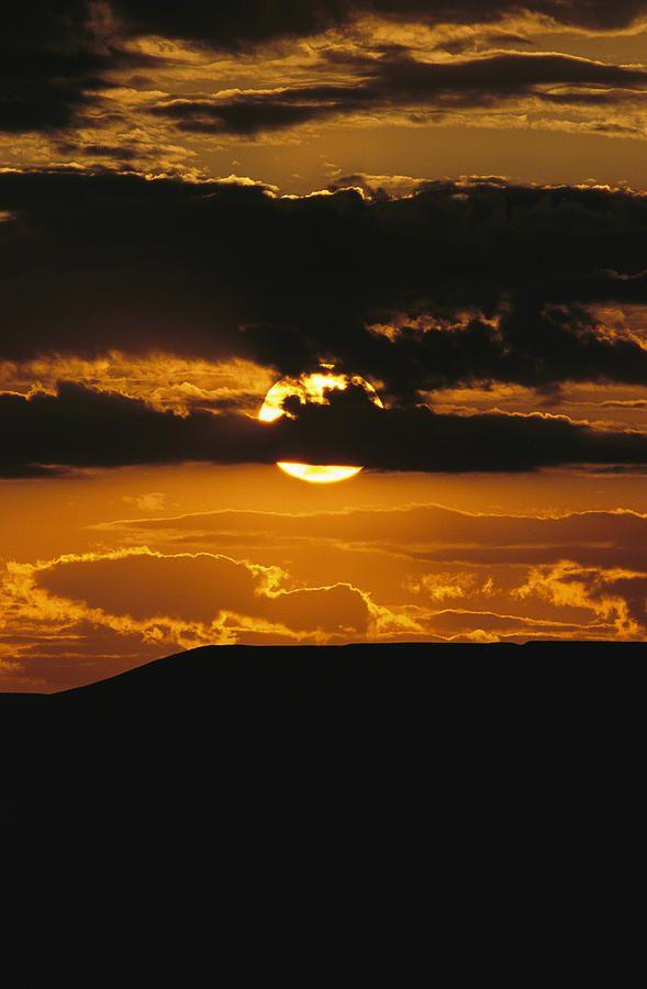 sunset over 70-Mile Butte, Grasslands National Park, Saskatchewan, Canada