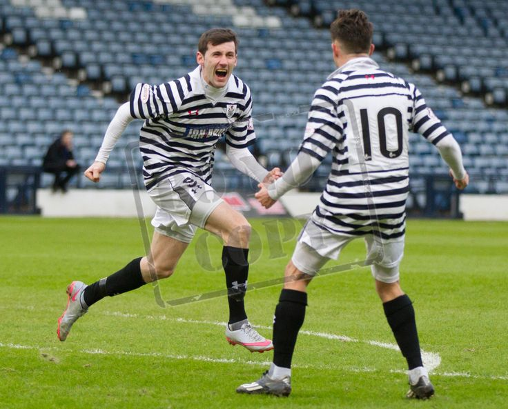 Queen's Park's John Carter celebrates his goal during the SPFL League Two game between Queen's Park and East Fife.