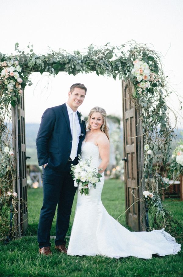Olympic Gold Medalist Shawn Johnson's Wedding | Style Me Pretty | Bloglovin' & SHAWN IS MY FAV