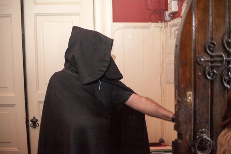 Visiting the crypts in Christchurch is a highlight of the Ghostbus Tour - all passengers are welcomed into the creepy Cathedral by this guy. #Ghosts #Ghostbus #LoveDublin #Dublin