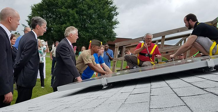 Gov. McAuliffe's Clean Jobs Tour highlights TCC's renewable energy technologies program