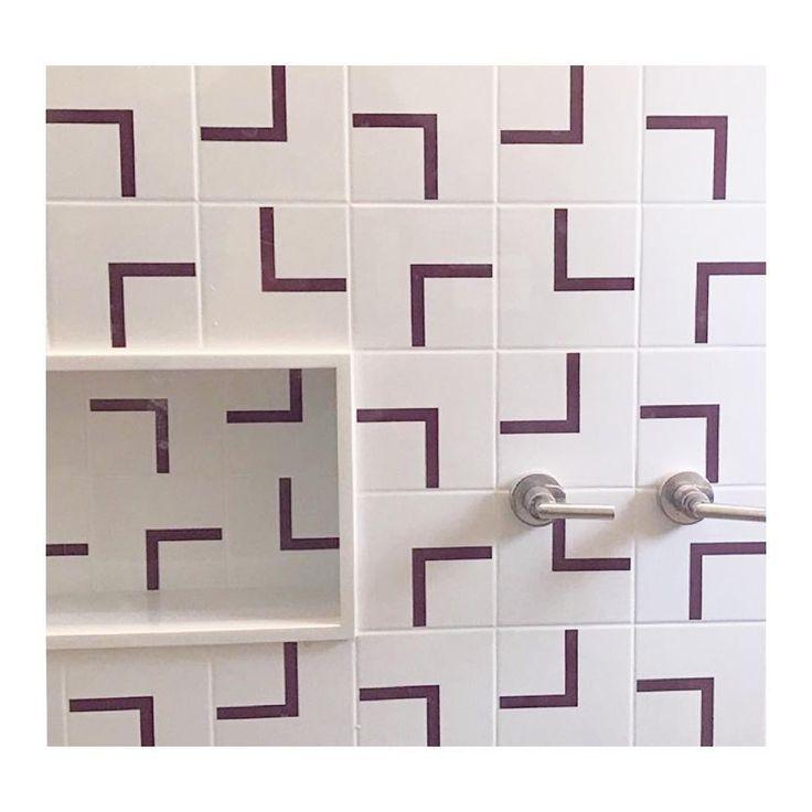 Lurca Azulejos | Azulejos Fatia Roxo no projeto do @instabistrodereformas | Fatia Purple - Ceramic Tiles // Shop Online www.lurca.com.br #azulejos #azulejosdecorados #revestimento #arquitetura #reforma #decoração #interiores #decor #casa #sala #design #cerâmica #tiles #ceramictiles #architecture #interiors #homestyle #livingroom #wall #homedecor #lurca #lurcaazulejos