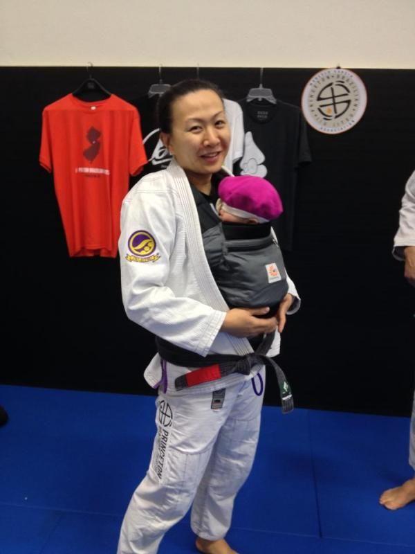 emily kwok, bjj, brazilan jiu jitsu, babies and bjj, female athletes and babies