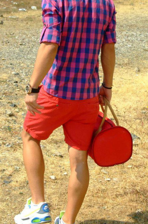 What Goes With Red Shorts - The Else
