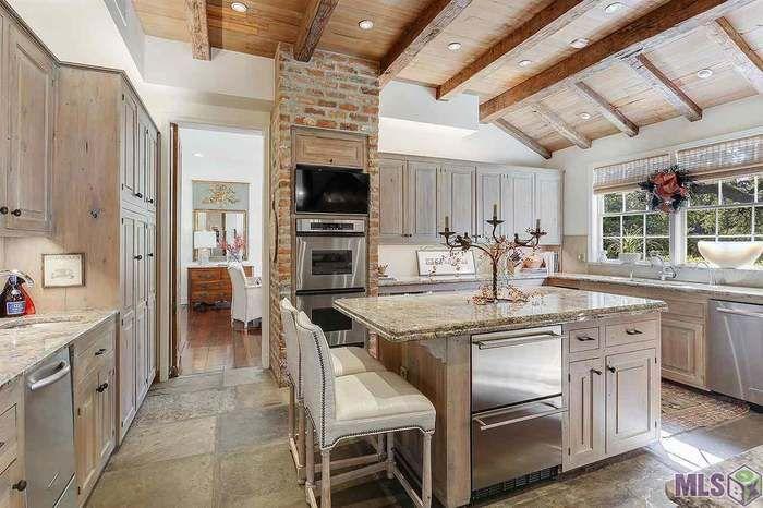 2 Oak Aly Baton Rouge La 70806 Mls 2018019616 Redfin Louisiana Homes Baton Rouge Home