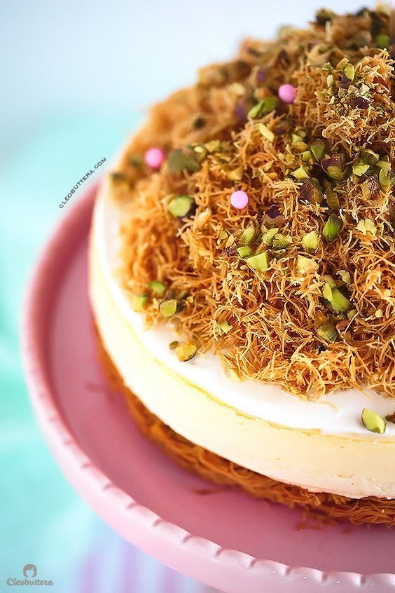 KANAFEH CHEESECAKE {Sweet and crunchy Middle Eastern kanafeh sandwiching a rich & creamy New York Cheesecake}