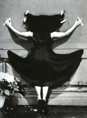 Fluxus, Mouvement d'Art contemporain : Humour, dérision, non-mouvement, anti-Art, art-distraction - Pina Bausch