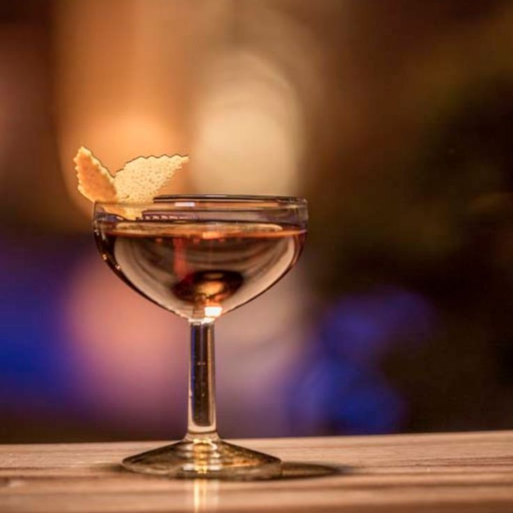 Christmas spirit calls for friends, love and... warm, aromatic cocktails!