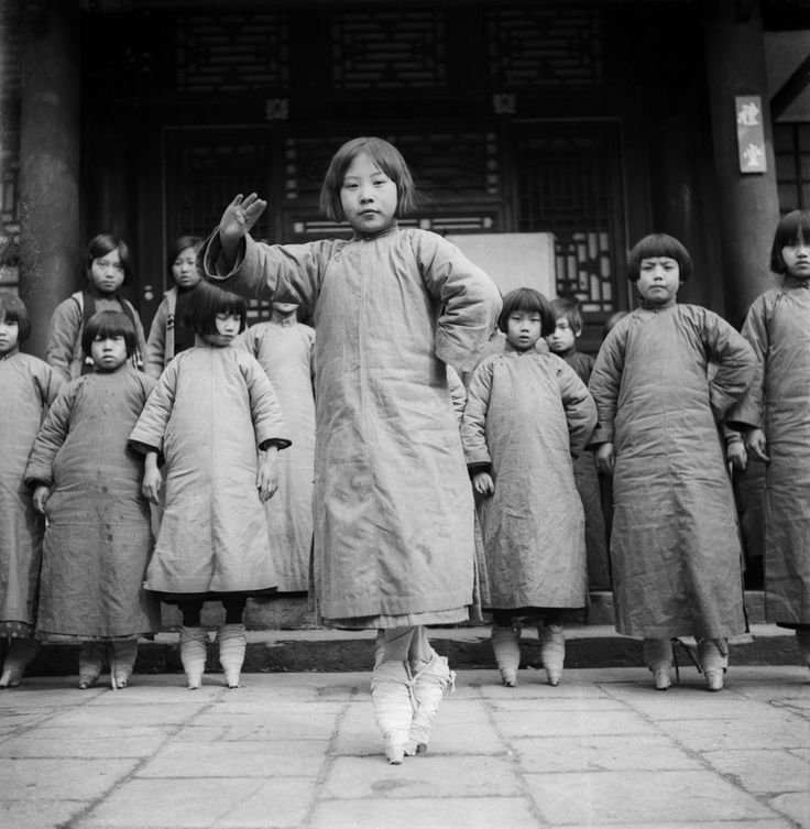 """Bound feet """"Sing-Song"""" girls in training at a tea-house, China, 1930s by Ellen Thorbecke"""