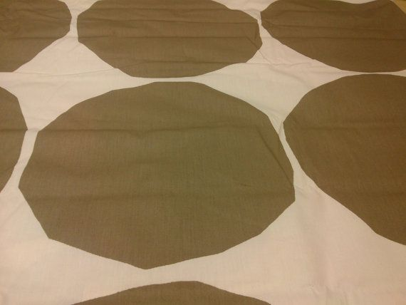Marimekko fabric white gold beige rounds  Cotton Fabric  Marimekko Fabric Marimekko Pienet kivet  Scandinavian Design Scandinavian Textile    100% COTTON fabric    EXTRA WIDE 58 (150cm)  Please choose length from the drop down    Suitable for bedding , clothing , crafting , quilting Custom sizes are available - please convo me    Questions about how to buy from Etsy? http://www.etsy.com/help_guide_checkout.php    Please note - all of the pieces are precut in 1m, 2.1m length, if youll order…