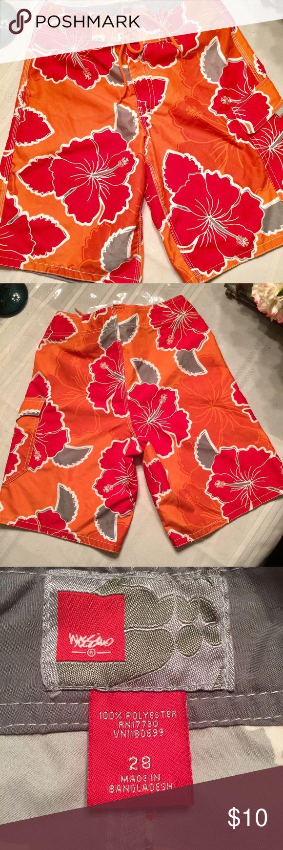 Men's bathing suit /board shorts / swim trunks Mossimo Men's bathing suit size 28.  Excellent condition 🌴💕🌴🦀 Mossimo Supply Co. Swim Board Shorts