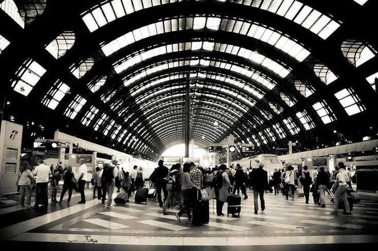Foto di Emanuela De Leva #Milano #milanodavedere #milanese #meneghino #stazione #centrale #igersmilano #instamilano #igers #storia #arte #cultura  www.milanodavedere.it